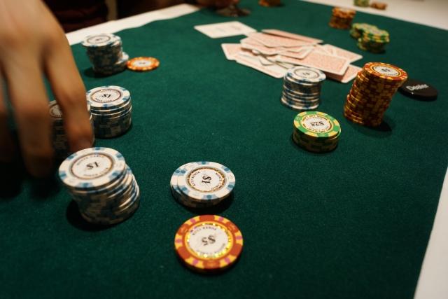 ウソ・借金に心当たりがあるならギャンブル依存症に注意