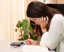 大学生の借金はどう解決する?親にバレない方法は?